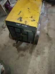 Máquina de solda marca<br>Esab valor. 2 000