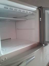 Geladeira duplex funcionando perfeitamente geladeira comum