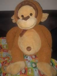 Macaco pelúcia grande