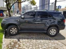 Título do anúncio: Toyota Hilux SW4 diesel automática! Tração 4 X 4  IPVA já Pago