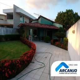 Casa em Condomínio Fechado - 360m², 3/4 Sendo 2 Suítes, DCE, Garagem p/ 3 Carros