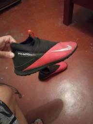 Chuteira society Nike Pouco usada