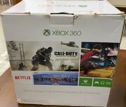 Vendo Xbox super slim com todos cabos 2 controles e 3 jogos