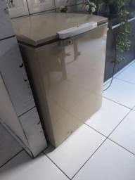 Freezer Cônsul pequena