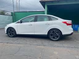Focus Sedan Titanium Automático Flex, Carro Sem Detalhe