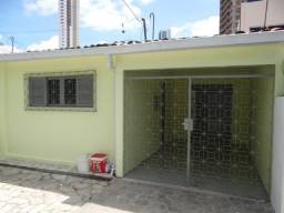 R. 2649 - Casa no Brisamar 03 Quartos sendo 01 Suíte + DCE Excelente local
