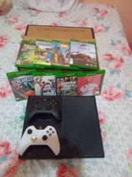 Xbox One 500 GB / 10 Jogos / 2 Controles / $ 1.700,00
