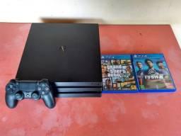 PS4 PRO 1TB Semi-Novo