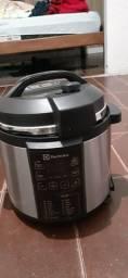 Panela De Pressão Elétrica 6 litros semi nova Zap *