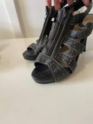 Sandálias 38 R$25,00