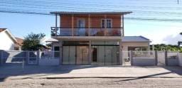 Casa disponível para aluguel na Temporada. 5 min da Praia do Rosa e Praia do Ouvidor.