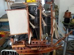 Navio antigo madeira leia a baixo