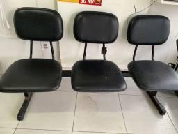 Cadeira de três lugares