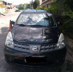 Nissan Livina em perfeito estado