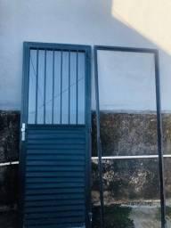 Porta de alumínio anodizado preto. R$370,00
