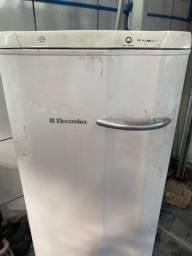 freezer Electrolux funcionando perfeitamente