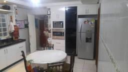 C. Casa em Novo Horizonte com 2 andares