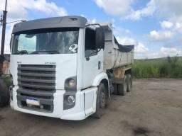 Caminhão caçamba 24-250