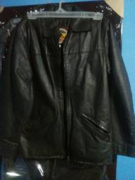 Jaqueta de couro legítimo Curthy Couros semi nova