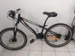 Vendo bicicleta seminova 650 reais, incluso cadeado