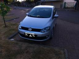 Volkswagen Fox Prime 1.6 Completo c Air Bag e Abs - 2011