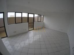 Sala comercial de 33m² com área externa para locação  na Av. Assis Brasil, Sarandi, Porto