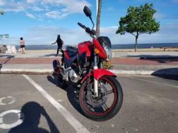 Moto CB 300 Vermelha - Raridade - Muito nova!