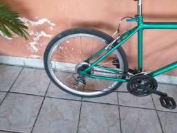 Bicicleta para vender, aro 26 no valor de 400 reais