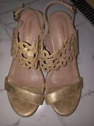 Vendo sandalha da constance