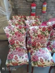 Conjunto de cadeiras estofadas de gramado