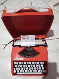 Máquina escrever antiga.leia a baixo