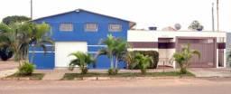 Casa integrada a salão comercial no Maria Pedrossian