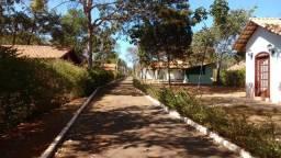 Rancho 3.200m2 com linda estrutura à beira da Represa em Felixlândia/MG