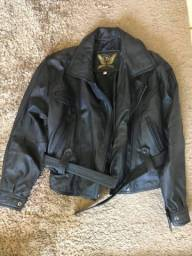Barbada 200 reais ..jaqueta feminina em couro legítimo  e novíssima linda