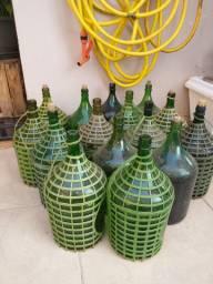 Vendo 15 Garrafões de Vidro de 4,7l