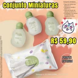Conjunto de miniaturas natura mamãe e bebê