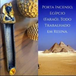 Incensário Faraó com porta vela palito