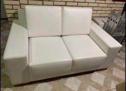 Sofá assento retrátil em Couro