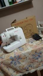 Vendo máquina de costura nova!!! nunca usada