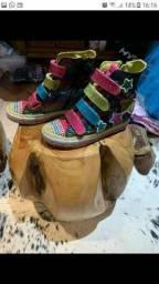 bota Skechers infantil