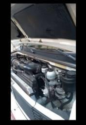Mercedes Benz 710 BAÚ