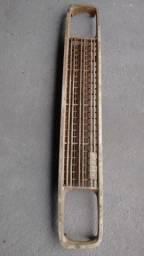 Grade frontal Fiat 147 C/ emblema