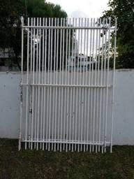 Portão metalinho