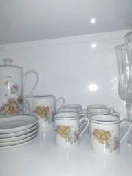 Jogo de chá de porcelana
