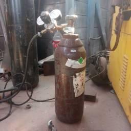 Título do anúncio: Vendo cilindro pequeno de Argonio