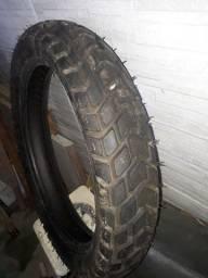 pneu pirelli de moto novo nunca usado