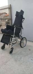 Cadeira de rodas.