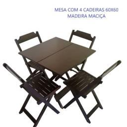 Mesa 70x70 com 4 cadeiras em madeira  dobrável