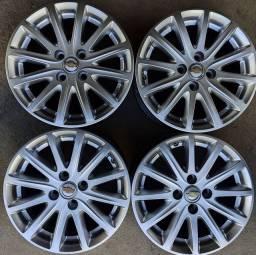 Rodas aro 15+4 pneus 195/55 Pirelli!!(2.450$ até 10x sem juros no cartão)
