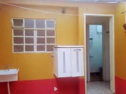 Em CANGAÍBA ZL - aluga-se cômodo e cozinha independente